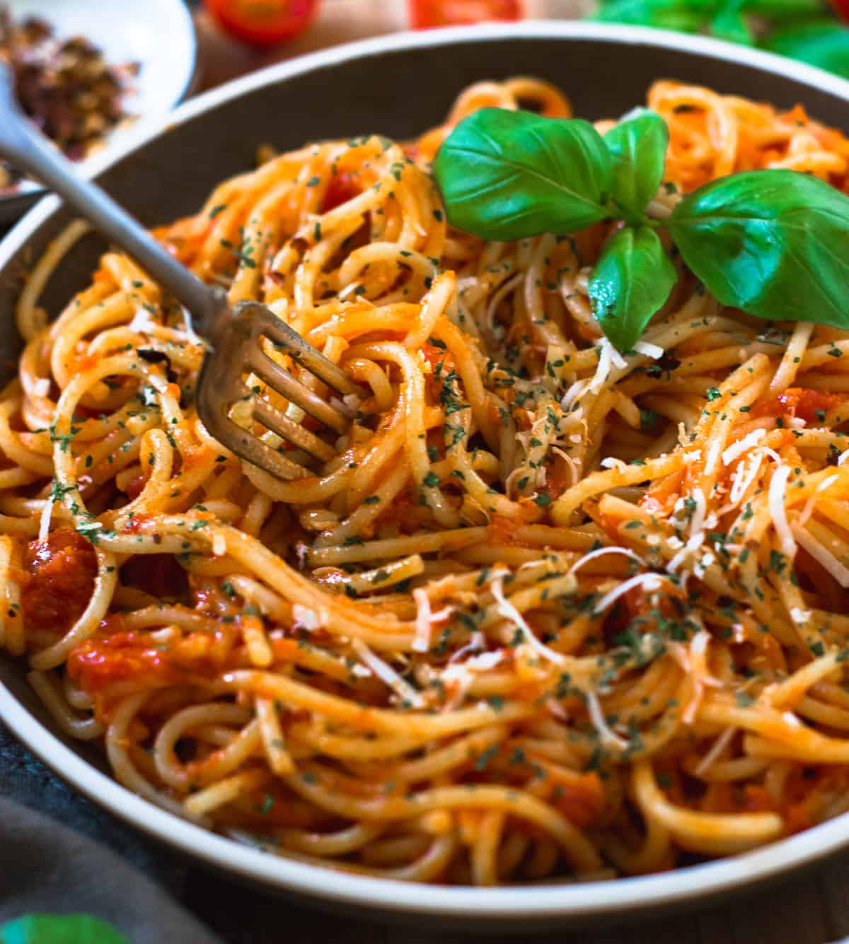 Spaghetti pasta to be eaten with a fork