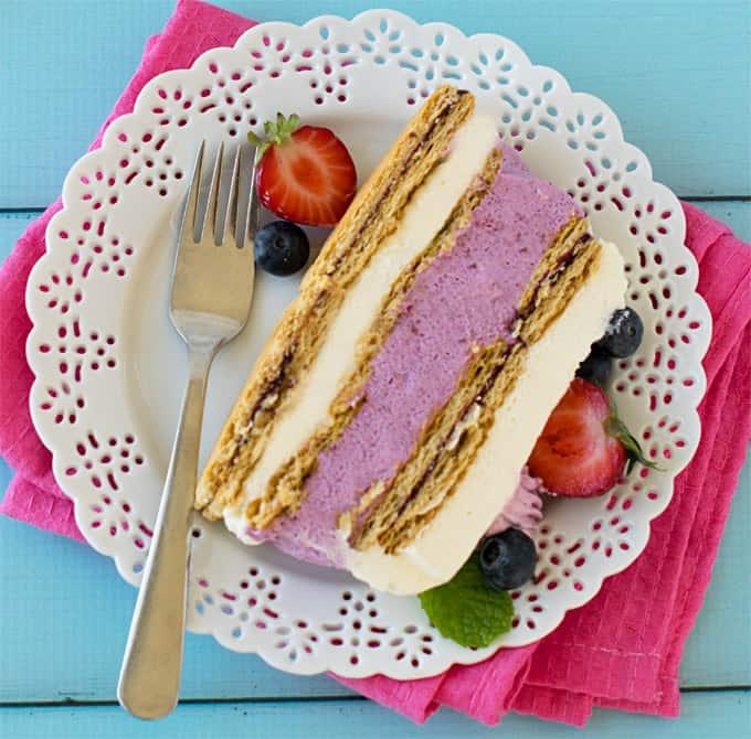 Strawberry Icebox Cake: No Bake Mixed Berries Icebox Cheesecake