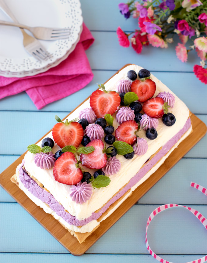 No-bake-mixed-berries-icebox-cheesecake#partydessert