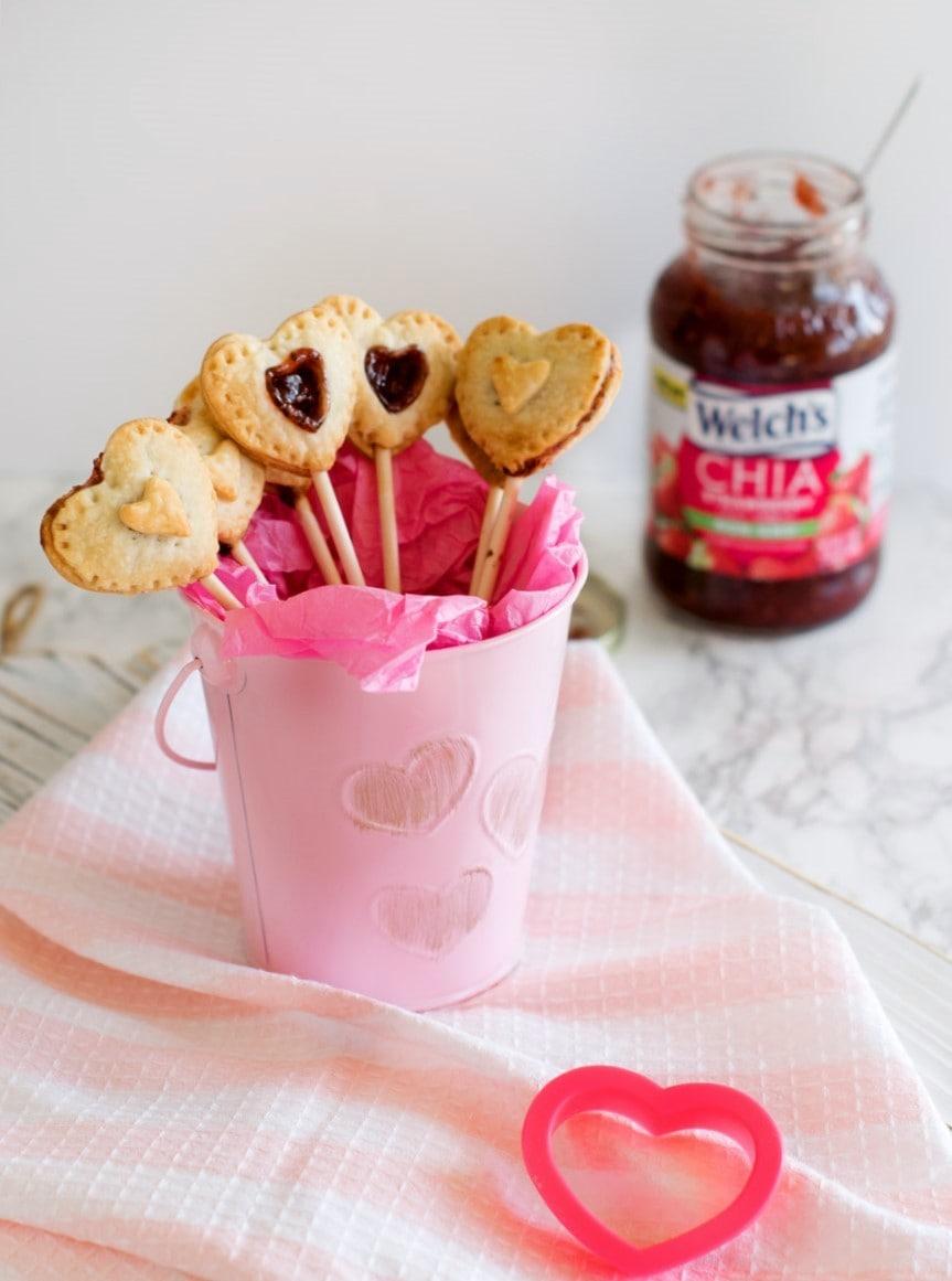 Chia-strawberry-jam-pie-pops- (3)