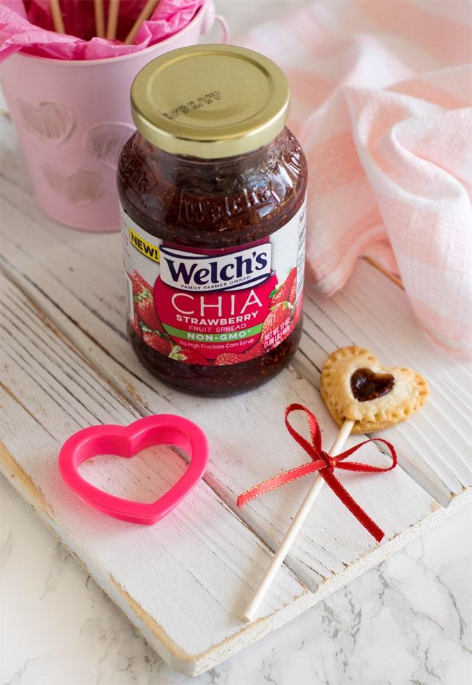 chia-strawberry-jam-pie-pops