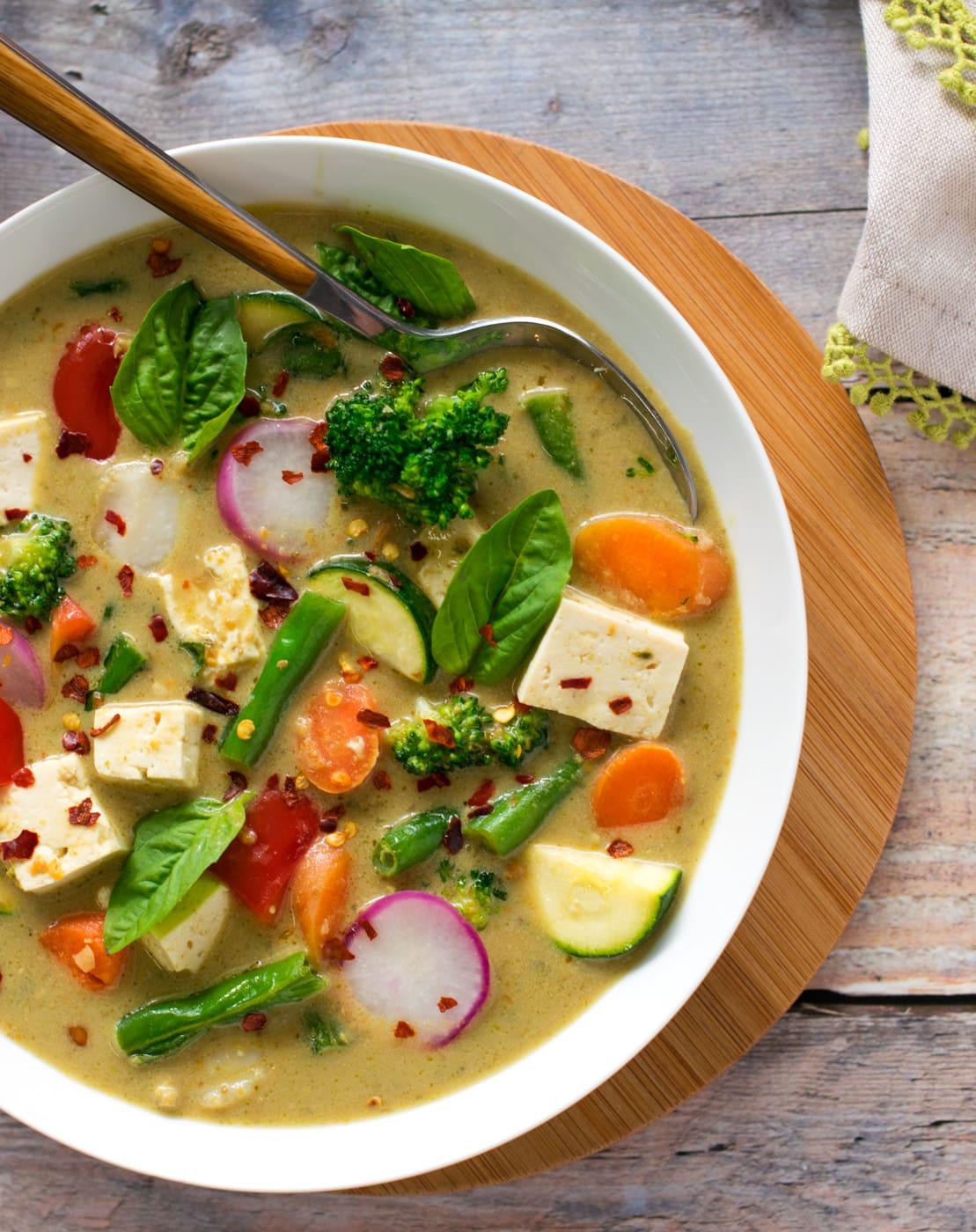 Almond milk vegetable curry (vegan + low carb)